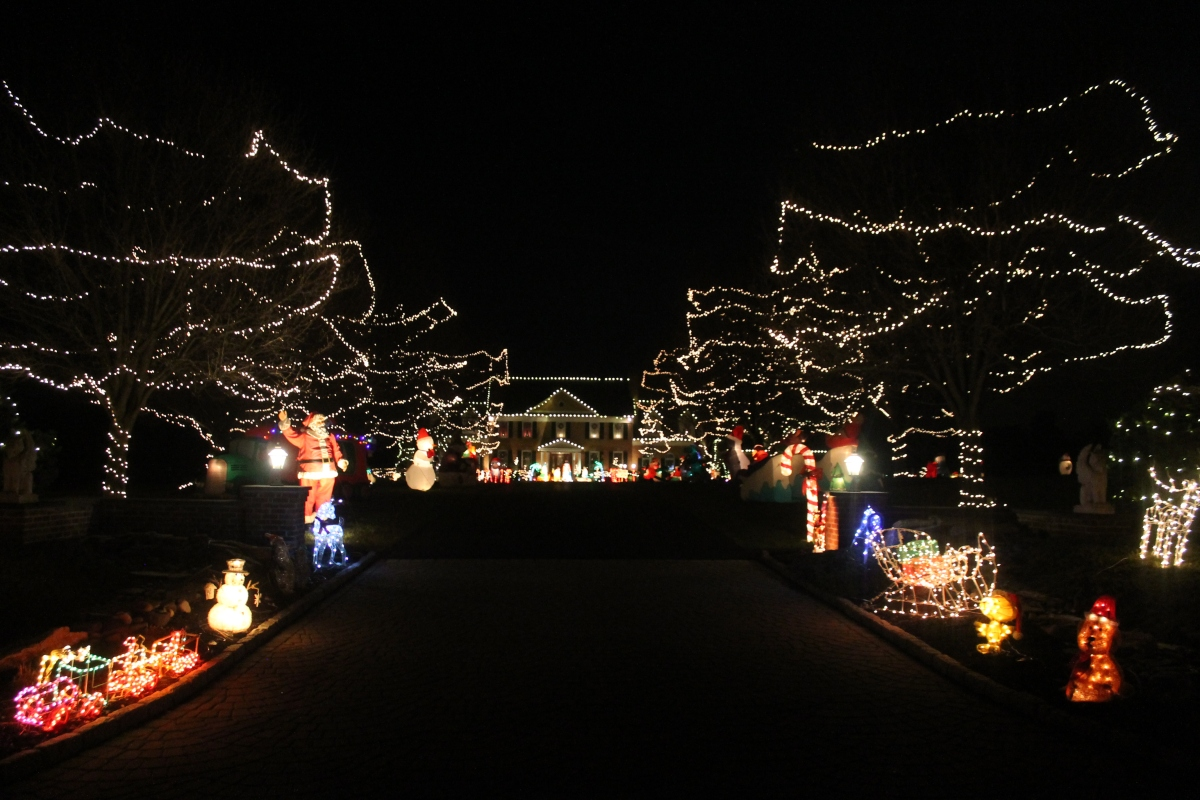 Lower Bucks Holiday Lights Guide